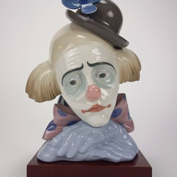 LLADRO CLOWN HEAD FIGURINE -TWO- - Figurines