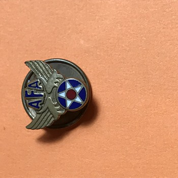 Trying to find out what it is - Military and Wartime