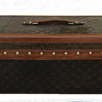 A Black Painted LOUIS VUITTON Trunk? - Furniture