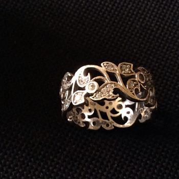 Vintage silver ring.