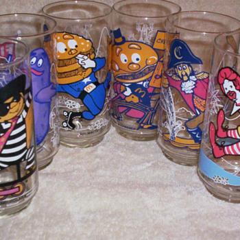 McDonalds Acttionland Glasses(1977 series 1) - Glassware