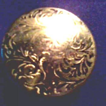 """""""Mello-Glo"""" Art Deco Brass Compact / Circa 1928"""