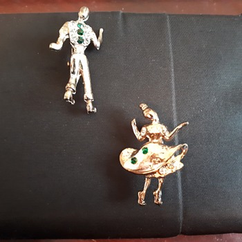 Tiny Dancers Brooch / Pin - Costume Jewelry