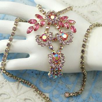 D & E Choker Necklace - Costume Jewelry