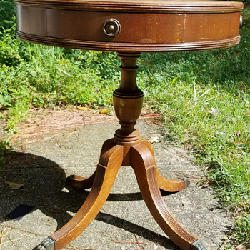 Round side table by Imperial Grand Rapids - Furniture