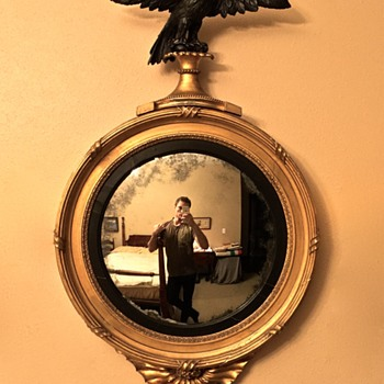 American Federal or English Convex Girandole Mirror (c.1800-15)