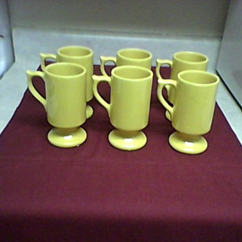 A SET OF  MC COY MUGS - Pottery