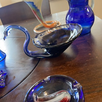 Swan and other pieces from his collection  - Art Glass