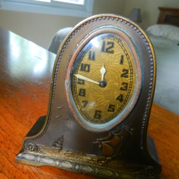 Lux Mantle Clock