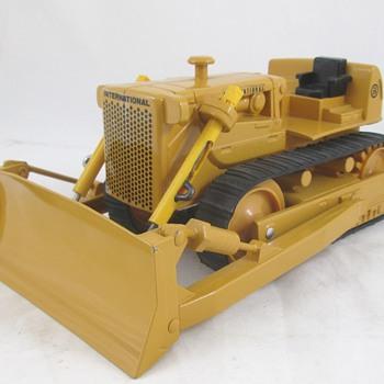 IH TD-25 Crawler  - Model Cars