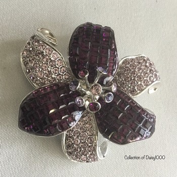 Magical Flower Brooch — Purple  - Costume Jewelry