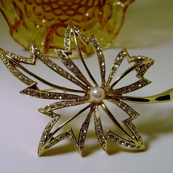Vintage Napier Brooch - Costume Jewelry