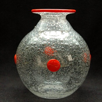 daum bubble glass vase circa 1914 - Art Glass