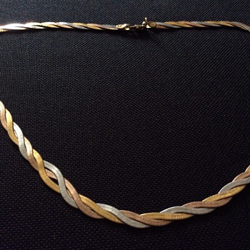 Old necklace  - Costume Jewelry
