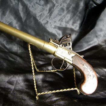 European flintlock pistol - Military and Wartime