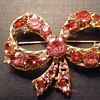 Weiss pink bow brooch