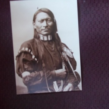 NATIVE-AMERICAN OF REALLY HANDSOME FEATURES - Photographs