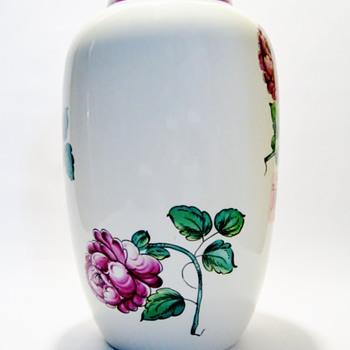 "TIFFANY & CO. ""STRASBOURG FLOWERS"" - Pottery"