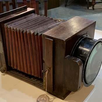 Wooden box camera with Rodenstock lens - Cameras