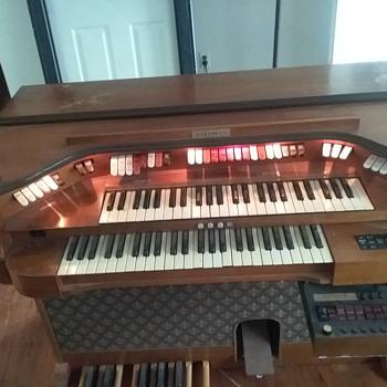 Baldwin Electric Organ  - Musical Instruments