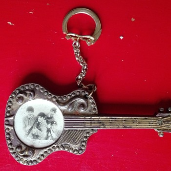 Beatles guitar Keychain - Music Memorabilia