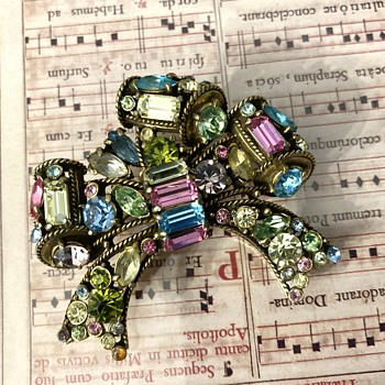 Hollycraft brooch - Costume Jewelry