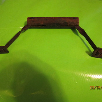 VINTAGE BATTERY CARRIER - Tools and Hardware