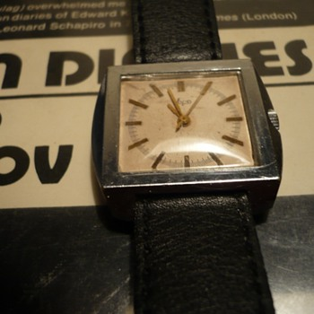 Soviet Wristwatch..1970s..Luch w/ 2209 Movement - Wristwatches