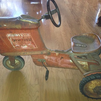 Midwestern Pedal Tractor