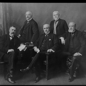 8/10 B/W Negative original 5 Men who started USM - Photographs