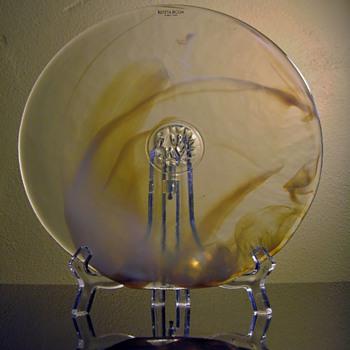 KOSTA BODA-SWEDEN - Art Glass