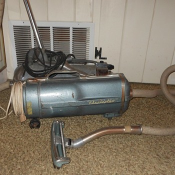 Electrolux Cannister Vacuum Model E 1954 - Tools and Hardware