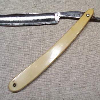 Cattaraugus Cutlery straight razor - Accessories