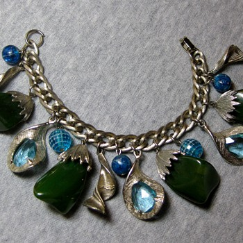 Blue and green bakelite, plastic and glass 1950's charm bracelet - Costume Jewelry