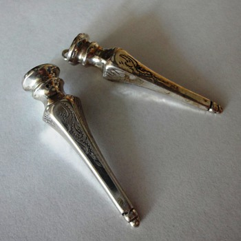 Two nice Decorated Silver Knitting Needle Holders - Fine Jewelry