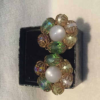 Stunning Vintage Coro earring - Costume Jewelry