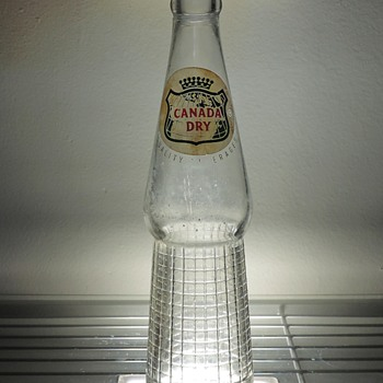 1955 Canada Dry Ginger Ale Soda Bottle Owens-Illinois Glass ACL Clear 10 Ounces Vintage Collectible Art Deco - Bottles