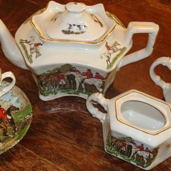 Crownford Tea Set / J F Herring Art - China and Dinnerware