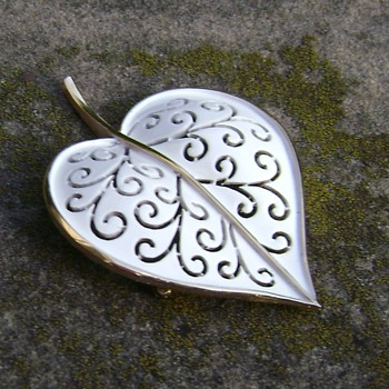 Vintage Trifari Enamel Leaf Brooch - Costume Jewelry