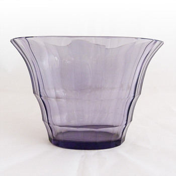 Vase, Josef Hoffmann for Wienner Werkstätte, made by Moser - Art Glass