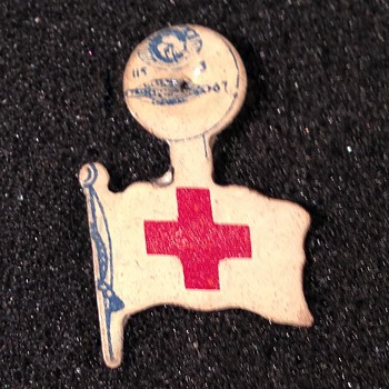 Old blood donor pin? - Military and Wartime