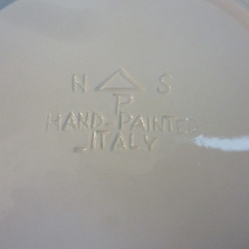 Makers Mark Please help Identify! Made in Italy Fruit in Relief plates - Pottery