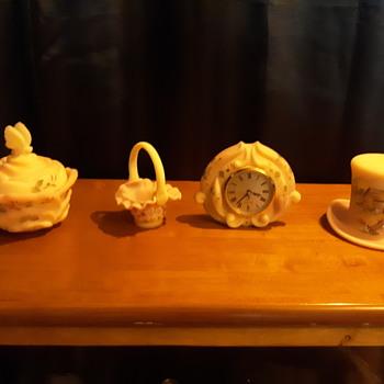 More fenton - Glassware