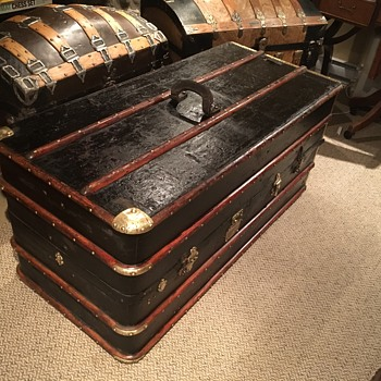 Early 1900's German antique wardrobe trunk  - Furniture