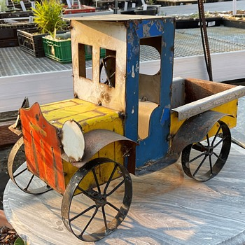 Model T or A Ford Made out of Old Car Parts? - Model Cars