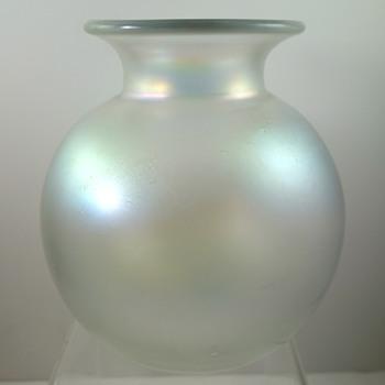 Loetz Candia Glatt ball vase, PN II-5579, ca. 1908 - Art Glass