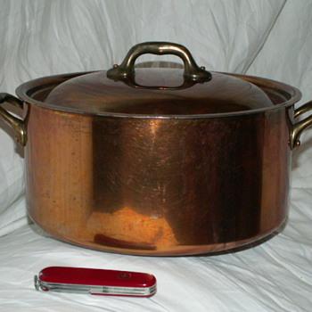 Mauviel 6.5 Quart Dutch Oven W/ Lid ~ Bronze Handles - Kitchen