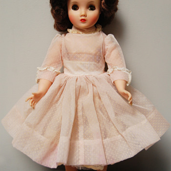 Madame Alexander Clothes ID - Dolls