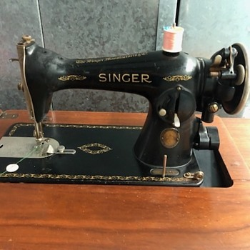 Singer Sewing machine S.F. Exposition Badge - Sewing