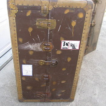 Crouch and fitzgerald Wardrobe trunk - Furniture